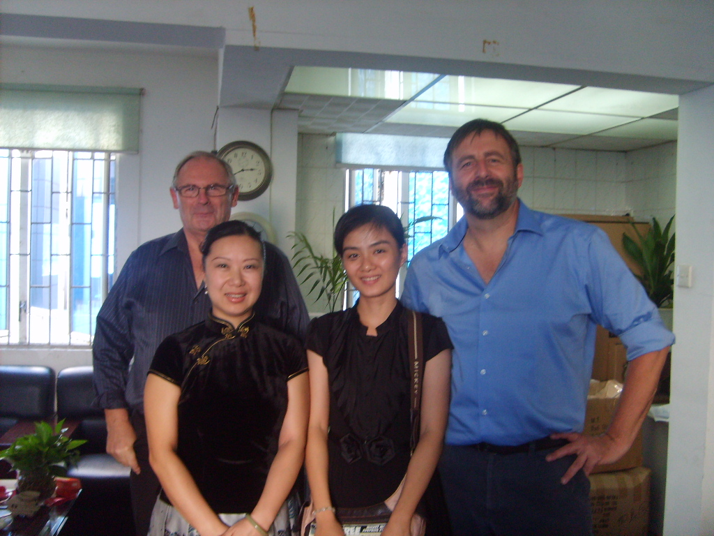 Thomas Kent Clock Played a visit to Xiamen D&F Co.,ltd. for clock developping business